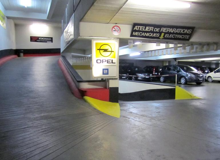 Parking ruchonnet gare lausanne parking priv s curis for Location garage moto